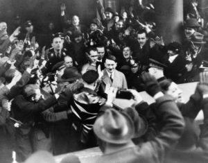 Hitler foi empossado como Chanceler da Alemanha.